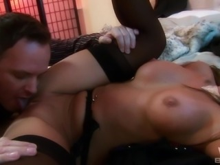 Cindy Behr cannot wait to be fucked up her tight anal hole