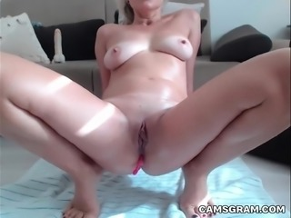 Pretty Shaved Milf Is Squirting Massively