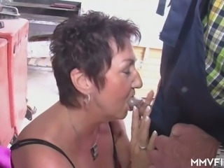 Kinky country couple Joseph Und Erica enjoy good fuck in the plant