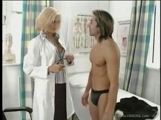 Hot doctor finds a hot man for fuck