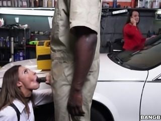 jade jantzen gives blowjob and her mom is none the wiser