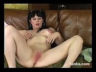Yanks Busty Betty Velvet Toying Her Snatch