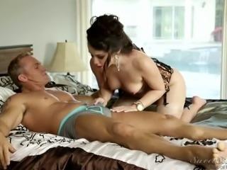 Juicy hottie in classy lingerie gets her big round ass eaten