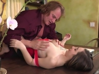 Office sex session with alluring babe Bambi Brooks