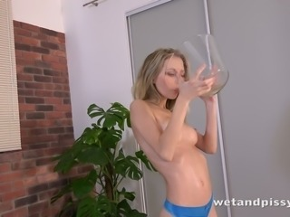 Hot Goldie G drinks her own pee and bathes in her own urine to get off