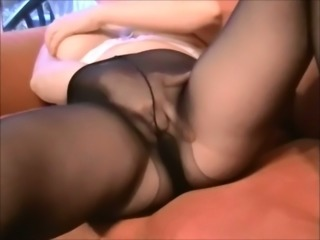 Chunky amateur whore just enjoys petting her own twat with fingers