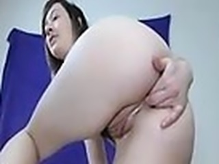 amateur aariana4u fingering herself on live webcam