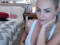 Solo blonde babe ready for an orgasm