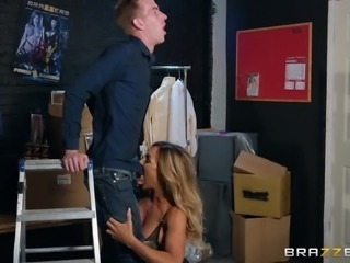 Danny did not expect to meet Aubrey Black in his small sex shop, but despite her incredible fame, she is a famous porn star, he did not hesitate to talk with her and not only this... From sudden happiness he lost control of himself and offered her his huge penis. Must watch!