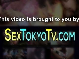 Japanese babe toying box