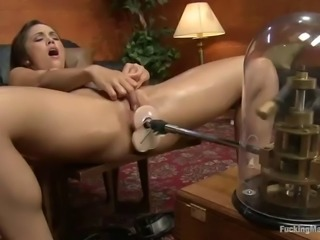fucking machine sex on the couch with a sexy babe