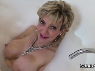 Unfaithful uk mature lady sonia exposes her heavy boobies15G