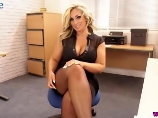 Fantastic MILF Kellie O'Brian is ready to undress and play with toy a bit