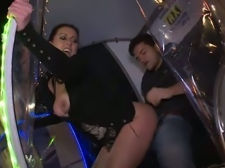 Dirty buxom slut keeps on sucking fat cock in the electric car