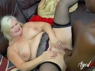 Sexy mature lady enjoy interracial hardcore fuck and tries even anal joy