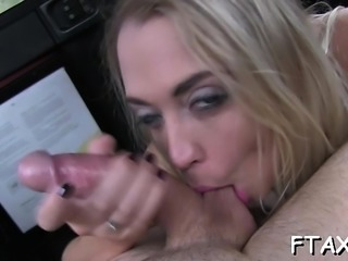 Discover out the sex session inside fake taxi