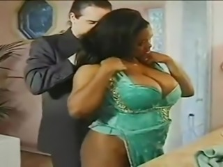 Gorgeous big tits ebony milf