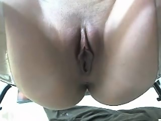 Solo pussy toying with busty blonde mom