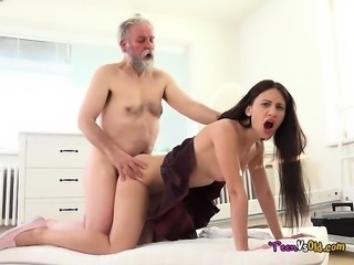 Schoolgirl Lana Ray Has Her Pussy Stretched