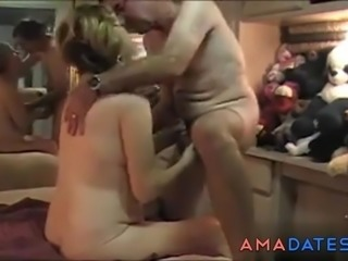 Wife films her girlfriend getting enjoyed by her own husband