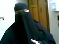 Lustful Arabian mom in hijab fucked bad doggystyle