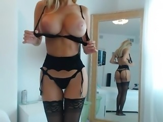 Who is this?? Pm me