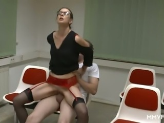 Extremely wild bitch Valeria Jones gets nailed quite hard in the driving courses