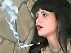 Colight Callie 164s Smoking Long Cigarettes 1