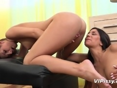 We bring you yet another masterpiece from Vipissy! Enjoy watching lovely...