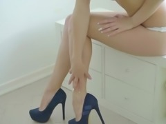 Buxom Russian babe Emily Thorne comes for massage but gets fucked instead