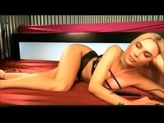 UK babeshow nipple slips