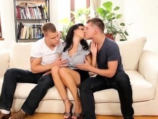 Bisexual threeway jerk