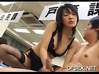 Office doxy sits on shlong