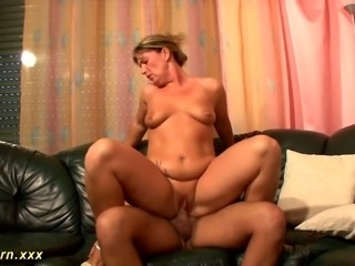 This mature slut has got some delicious fat on her and she likes to be on top