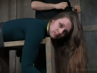 This is so fucking enjoyable seeing that slut getting punished in the dungeon