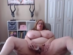 Hot plump Suzie with natural 44Q clapping tits