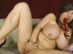 Huge boobs on webcam shows her pussy