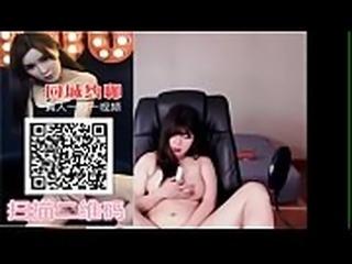 30 国内第一约炮视频一对一聊天平台扫描二维码下载---- 10:52 VIP 新加坡 星展银行服务经理 风流生活淫荡