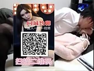 19 国内第一约炮视频一对一聊天平台扫描二维码下载---- 04:45 VIP 街拍裙低春光系列 专卖店里试鞋的两个白嫩