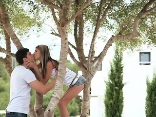 Silly teen fills mouth with cock to train a oral sex