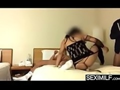 Bubble butt amateur mother fucked by son and his friend - www.seximilf.com