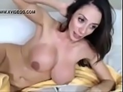 Busty milf jerking off - Watch Part2 on SuzCam.com