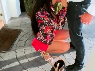 Agreeable boss lady gives head and gets juicy pussy ploughed