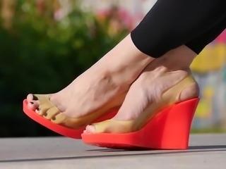 Feet 027 - Pink Wedges