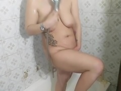 Lauri in the shower