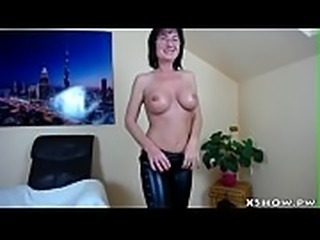 Wet Mature Mom Cam Show