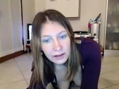 Leilani masturbate and squirt on webcam part 1