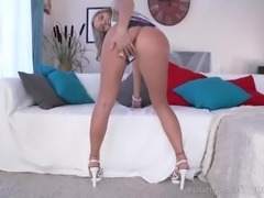 curvy sweetie turns dude on with her ass