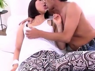 Izumi Manaka hot milf gets rea - More at javhd.net