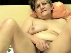 Hairy mature car masturbation